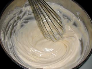 Butter in einer Kalotte